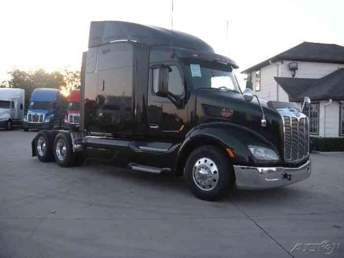 Peterbilt 579 2014 Sleeper Semi Trucks