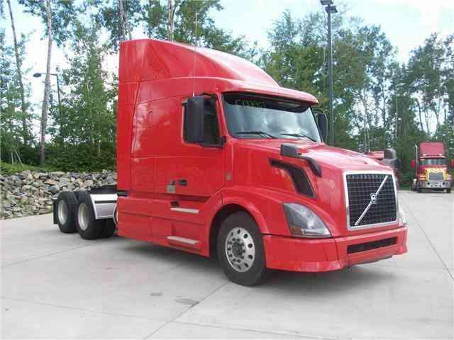 Volvo Vnl64t630 2014 Sleeper Semi Trucks