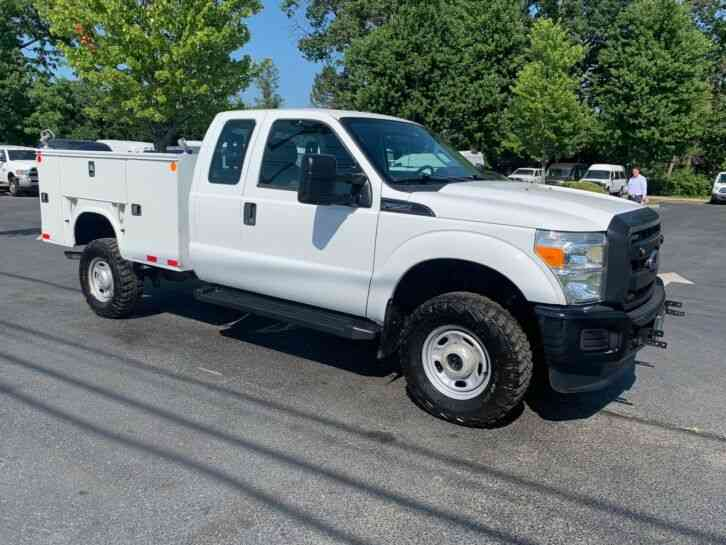 Ford F250 4X4 UTILITY SERVICE (2015)