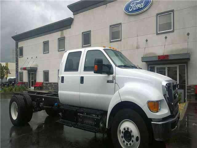 Ford F650 Crew cab Chassis -- (2015)