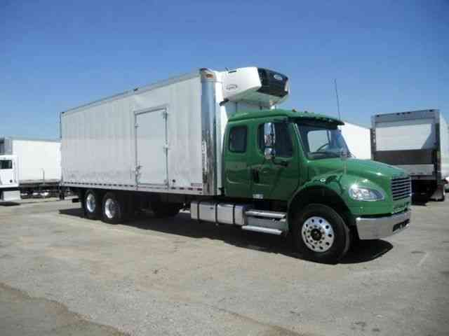 Freighliner 26ft Refrigerated Box Truck Extra Cab Sleeper