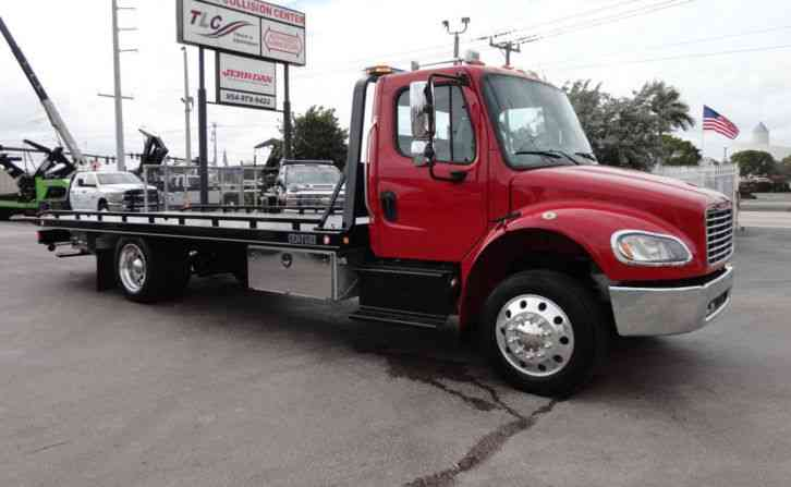 Freightliner BUSINESS CLASS M2 106 AIR SUSPENSION. . 21. 5 CENTURY (LCG) ROLLBACK TOW TRUCK. . (2015)