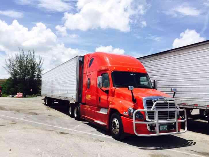 Roof Fairings For Semi Trucks : Kenworth t aerodynamic raised roof sleeper