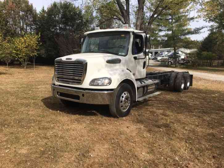 Freightliner M2 112  2015    Heavy Duty Trucks