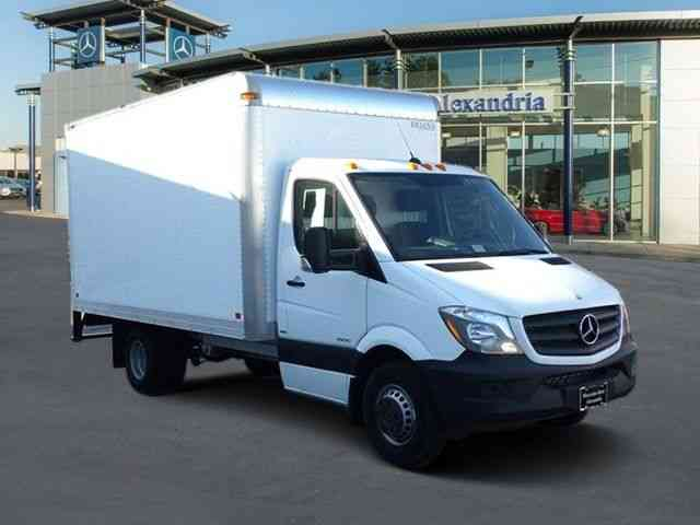 mercedes benz sprinter 14 39 box truck 3500 170 39 w b 2015. Black Bedroom Furniture Sets. Home Design Ideas