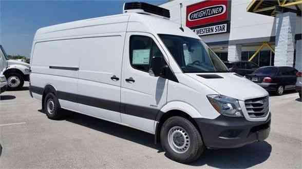 Freightliner Trucks For Sale >> FREIGHTLINER Sprinter 2500 170 Refrigerated Cargo Van ...