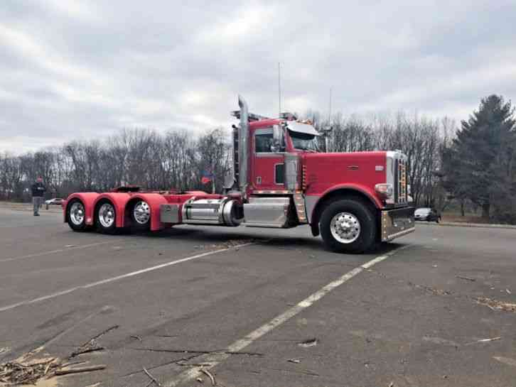 PETERBILT 389 (2016) : Daycab Semi Trucks