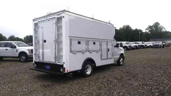 Ford E-350 (2017) : Van / Box Trucks
