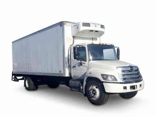 Refrigerated Truck Vehicle : Hino ft box refrigerated truck auto only k miles