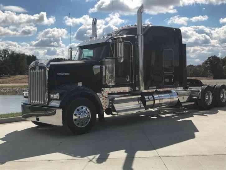 Kenworth (2017) : Sleeper Semi Trucks