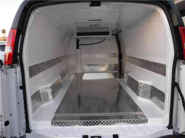 Chevrolet Express Cargo Van -- (2017) : Van / Box Trucks