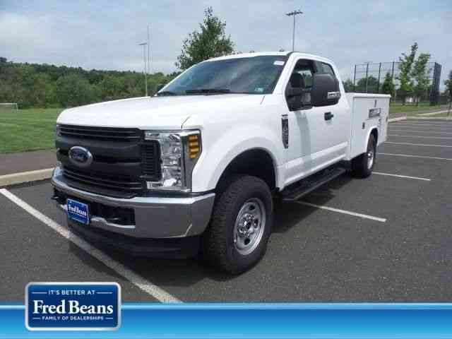 Ford F-350 9ft Reading Utility Body (2018)