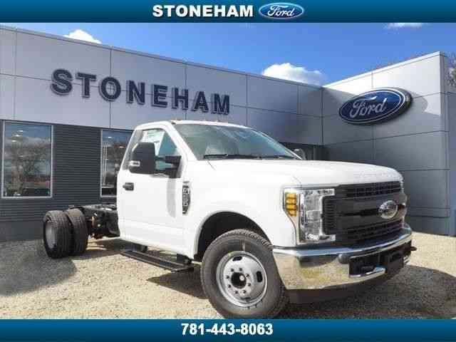 Ford F-350 2WD Regular Cab (2019)