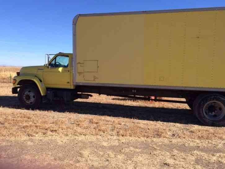 Ford F700 1999 Van Box Trucks