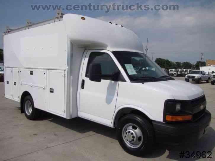 Chevrolet 3500 Drw Express Kuv Utility Van 2011