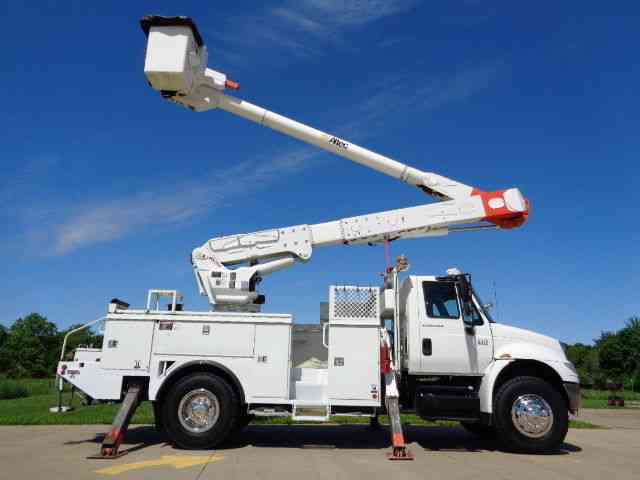 FORD F750 3126 CAT WITH ALTEC AP45 CABLE PLACER (2000 ...