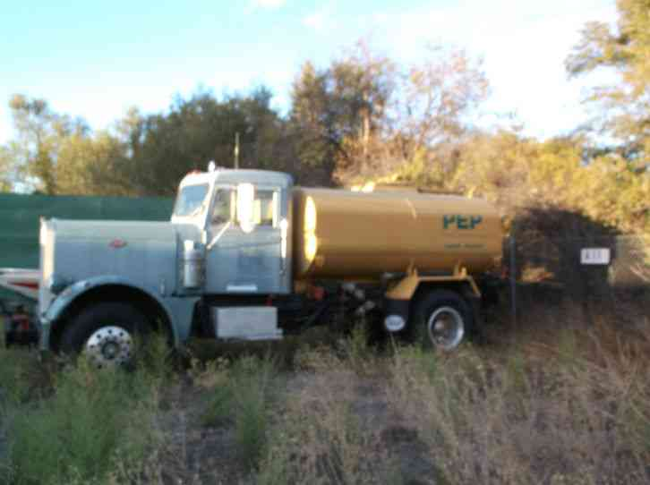 095984e1d6 Peterbilt 2000 gallon water truck (1967)   Heavy Duty Trucks