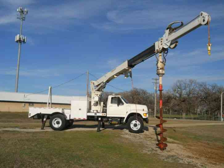 Ford F700 - Commander 47' Boom (1998)