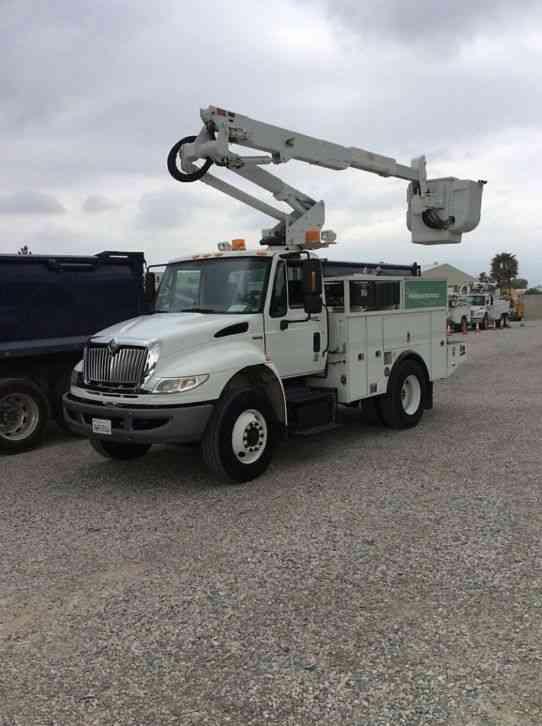 Articulating Boom Truck : International bucket boom trucks