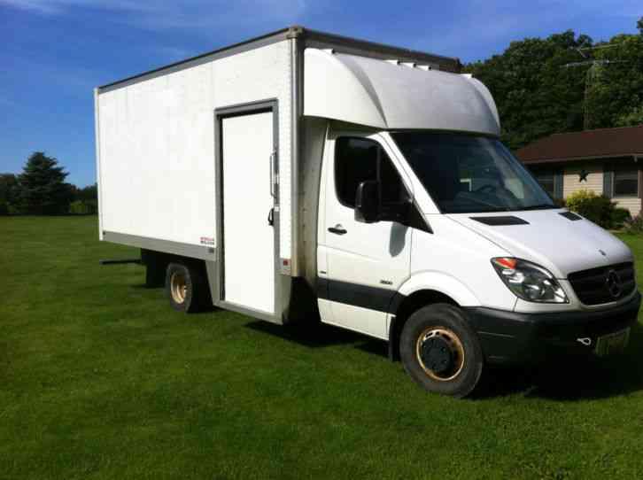 Mercedes benz sprinter 3500 2012 van box trucks for Mercedes benz box truck