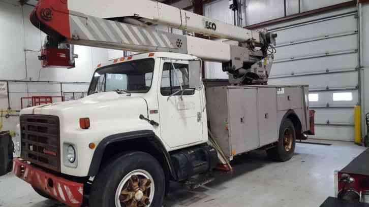 International S1954 1986 Bucket Boom Trucks