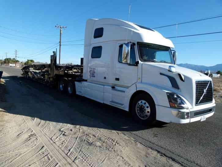 Volvo Vnl 2016 Sleeper Semi Trucks