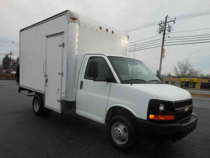 Chevrolet Express 3500 2008 Van Box Trucks