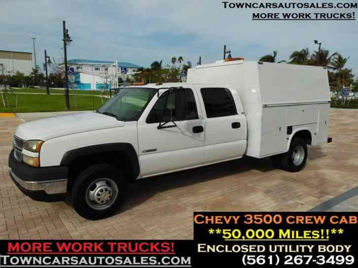 CHEVY 3500 CREW CAB SERVICE TRUCK (2005)