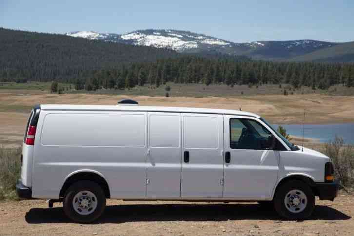 Chevrolet Express 2500 Extended (2014)