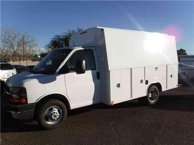 640e498e1b Chevrolet Express Commercial Cutaway -- (2017)   Utility   Service ...
