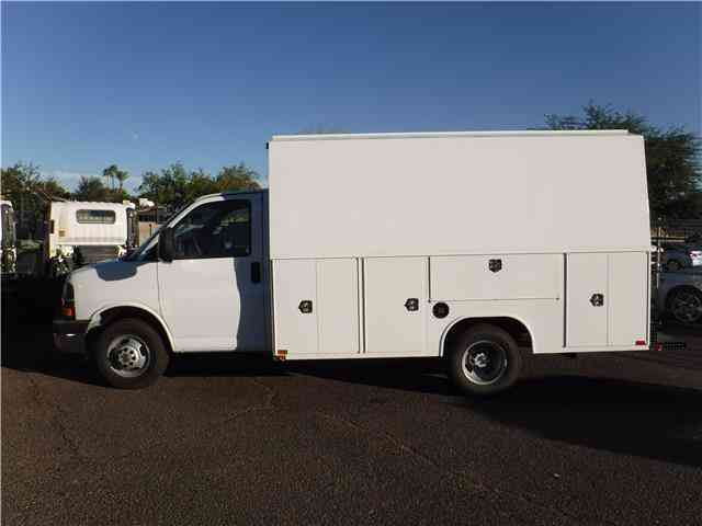 besides Pic X together with Chevy Express Dually Ft Walk In Service Utility Body Van Truck besides Outside Van Valhalla C er furthermore Gmfleet Chevrolet Express Passenger Interior Masthead X. on 2017 chevy express 3500