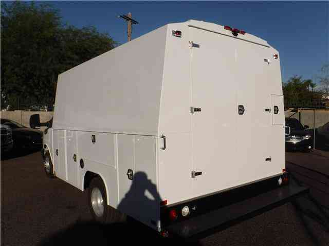 Step Van For Sale >> Chevrolet Express Commercial Cutaway -- (2017) : Utility / Service Trucks