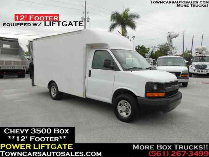 Chevrolet 3500 Cutaway Box Truck w/ LIFTGATE (2004)