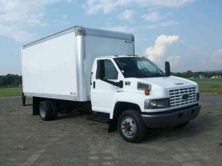 Freightliner 2002 Van Box Trucks