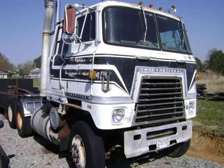 International Transtar 1979 Sleeper Semi Trucks