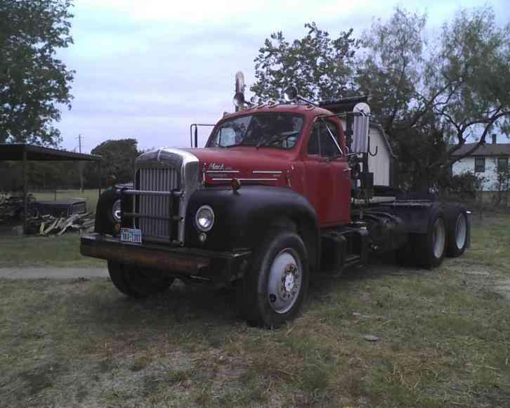 Mack Trucks B61 Models : Mack b daycab semi trucks