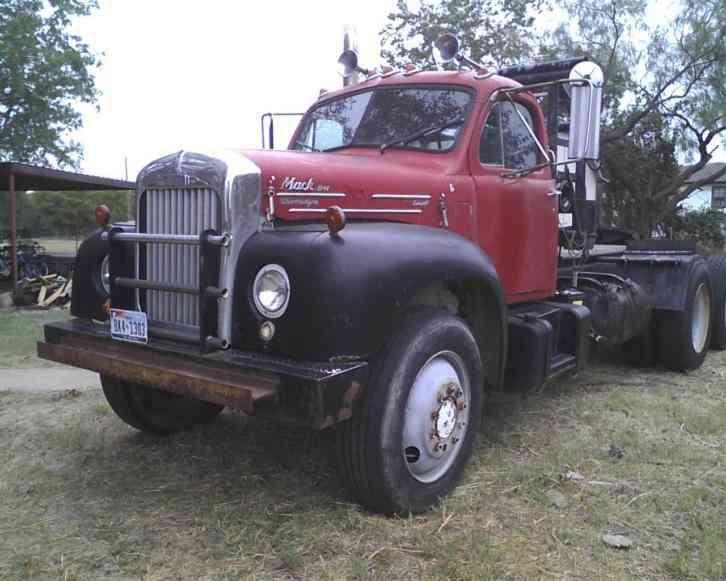 Mack B61  1962    Daycab Semi Trucks