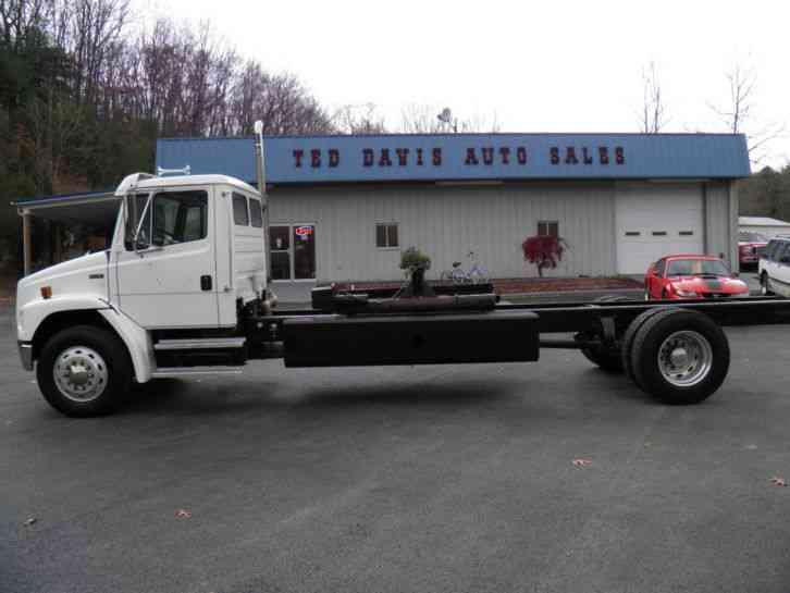 Isuzu NPR : Utility / Service Trucks