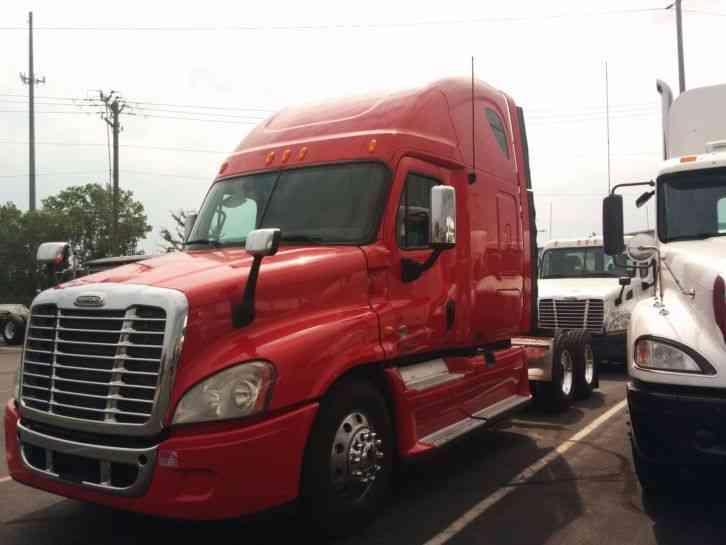 Freightliner Cascadia (2009) : Sleeper Semi Trucks