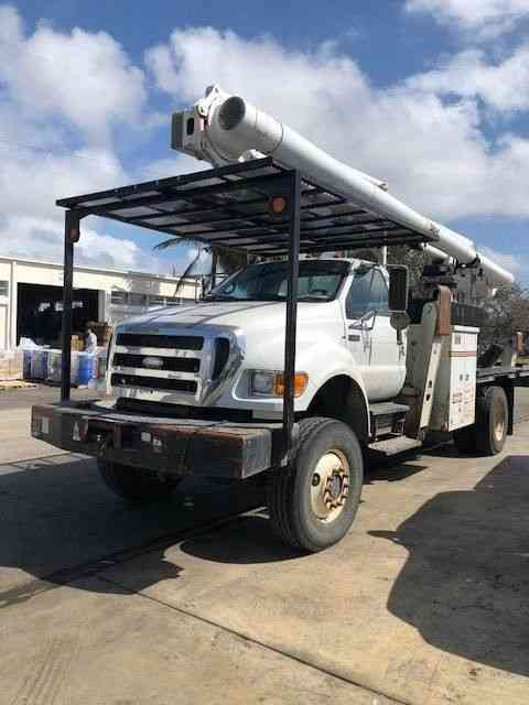 Ford F-750 4X4 with Altec LRV60-E70 (2007)