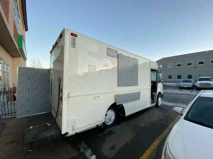 Custom Brand new built food truck 14ft Fully loaded New equipment