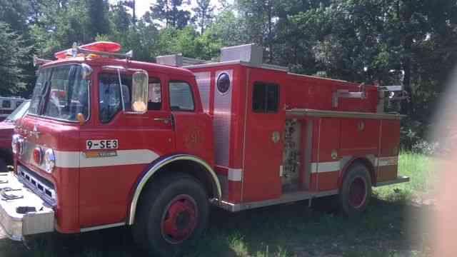 Ford C8000 1982 Emergency Amp Fire Trucks