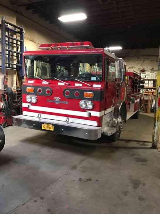 American Lafrance Fire truck (1977) : Emergency & Fire Trucks