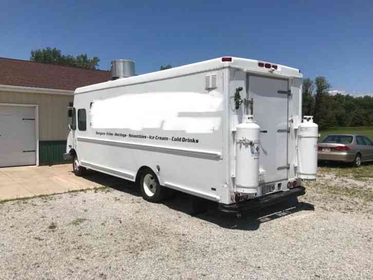 Workhorse P-42 Food Truck Conversion (2003)