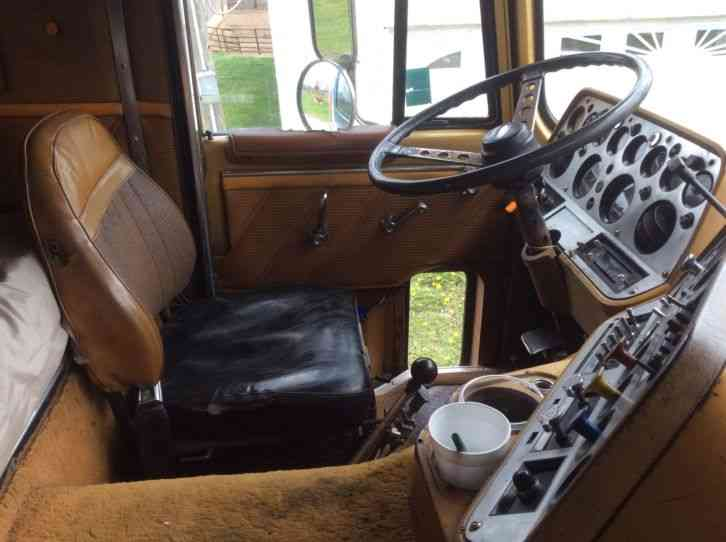 Used Trucks For Sale In Iowa >> Ford CL 9000 (1984) : Sleeper Semi Trucks