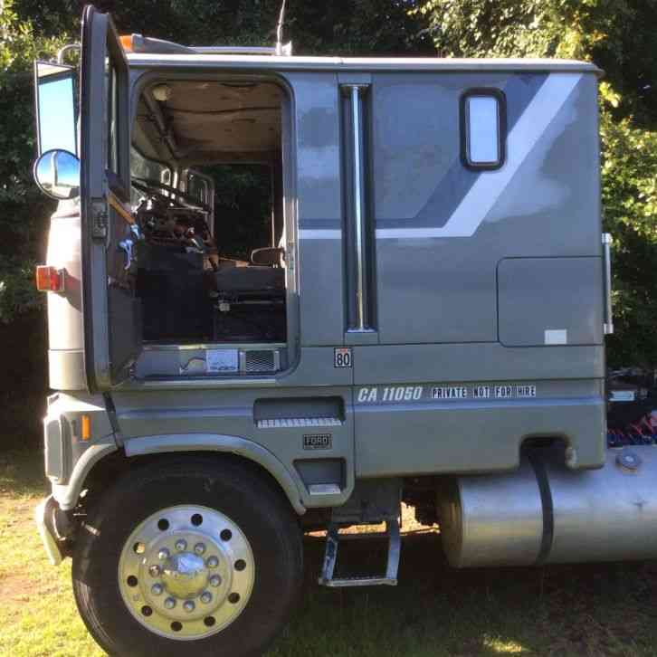 Ford CL 9000 (1985) : Sleeper Semi Trucks
