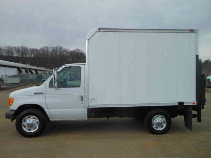 Ford E 350 2006 Van Box Trucks