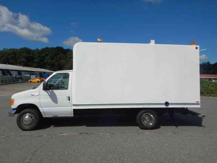 Ford E 350 2007 Van Box Trucks