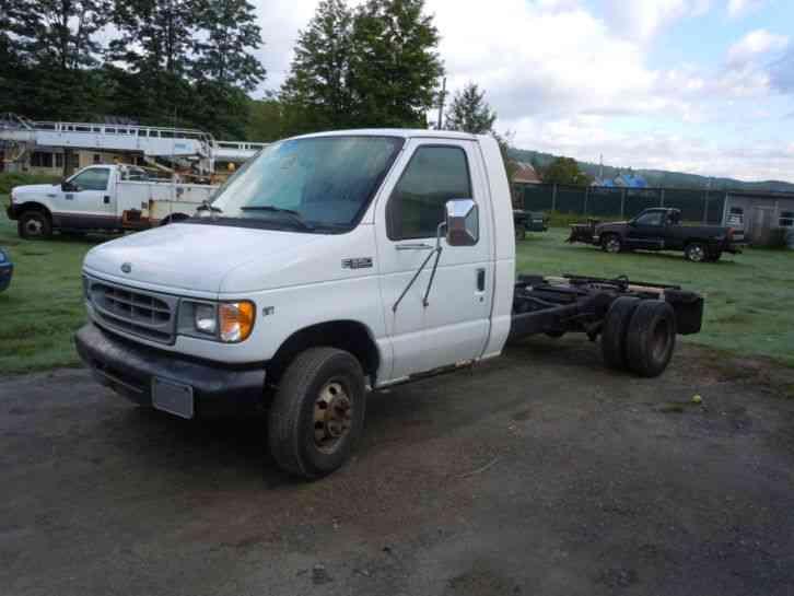 ford-e-series-van-base-cutaway-van-2-doo