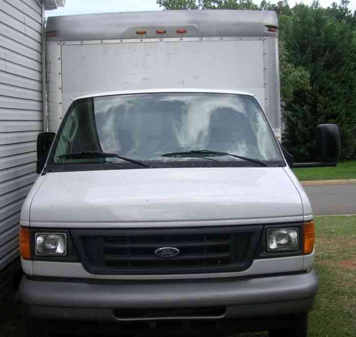 2007 Ford E350 Super Duty Box Truck